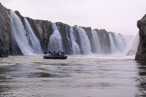 Hogenakkal Falls, Dharmapuri, India