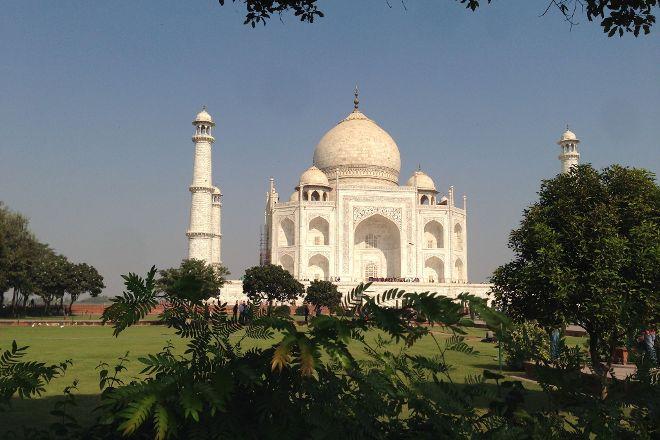 Akbran Tours, Agra, India