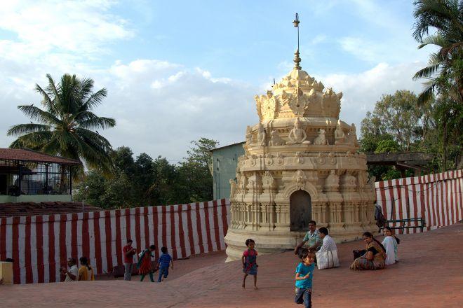 Gavi Gangadhareshwara Temple, Bengaluru, India