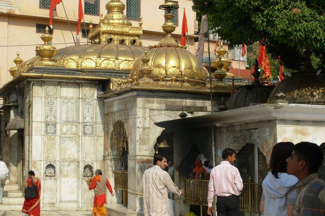 Jawalamukhi Devi Temple, Jwalamukhi, India
