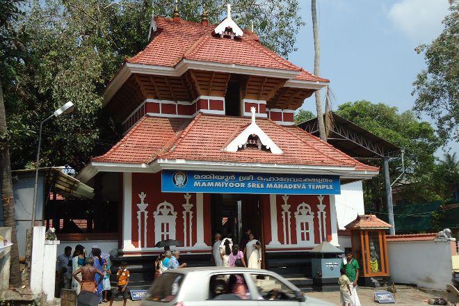 Mammiyur Mahadeva Kshetram, Guruvayur, India