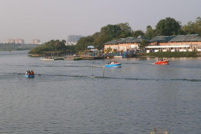 Muttukadu Lake, Chennai, India