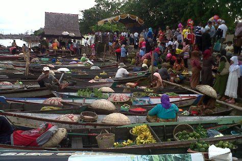 Pasar Terapung, Banjarmasin, Indonesia