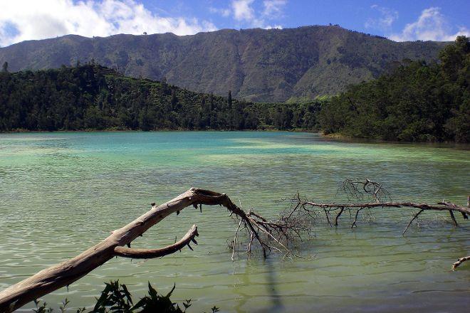 Telaga Warna, Dieng, Indonesia