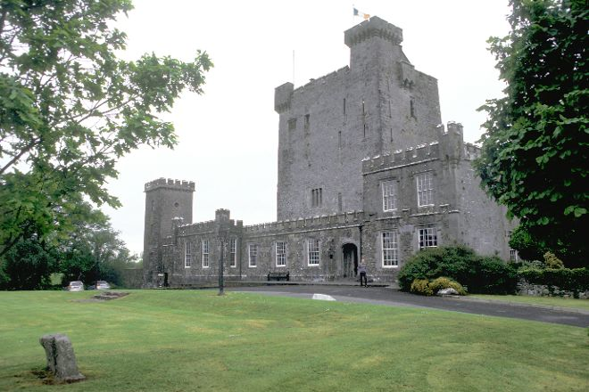Knappogue Castle, County Clare, Ireland
