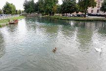 Passeggiata lungo la restera, Treviso, Italy