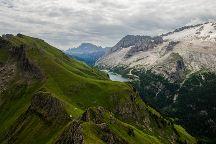 Sentiero Viel del Pan, Canazei, Italy