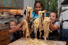 Spaghetti in the Family - www.cookingcoursesinrome.com, Rome, Italy