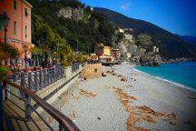 Spiaggia di Fegina, Monterosso al Mare, Italy