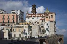 Vicoli, scale e archi, Atrani, Italy