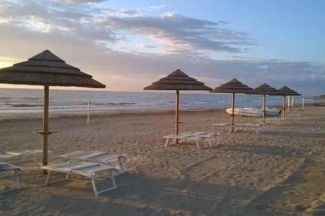 Spinnaker Beach, Giulianova, Italy