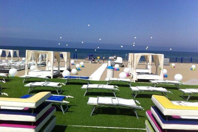 Breeze - Total Summer Club, Pozzuoli, Italy