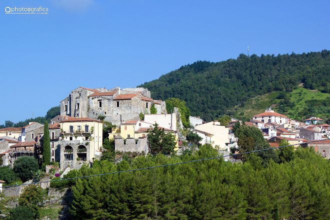 Castello Baronale, Torraca, Italy