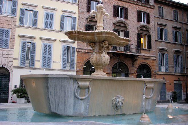 Fontana di Piazza Farnese, Rome, Italy