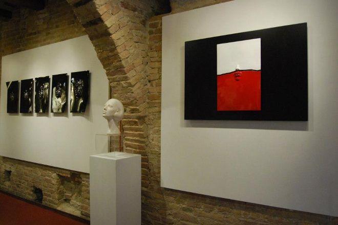 iSculpture Gallery San Gimignano & Casole d'Elsa, San Gimignano, Italy