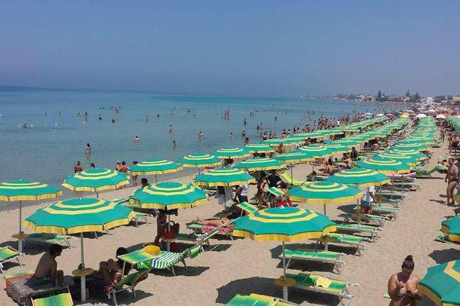 Lido Signorino by Tiburon Beach, Marsala, Italy