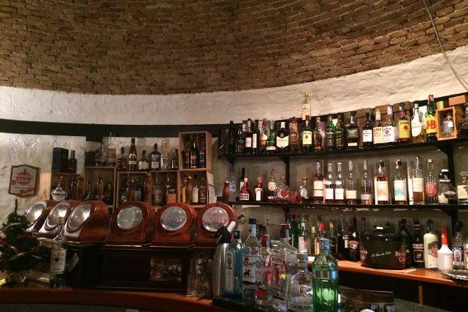 Old England Pub, Cernobbio, Italy