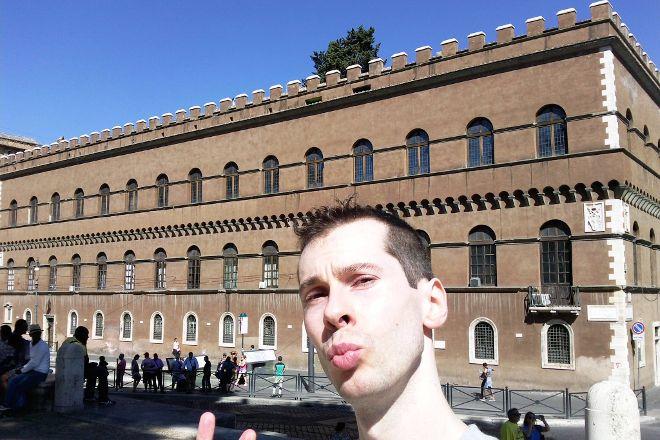 Piazza del Colosseo, Rome, Italy