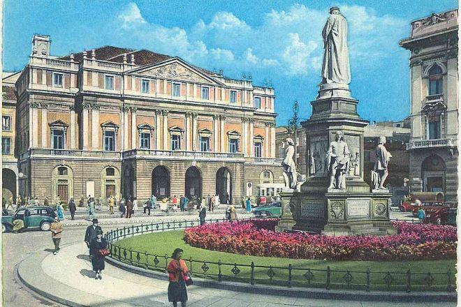 Piazza della Scala, Milan, Italy