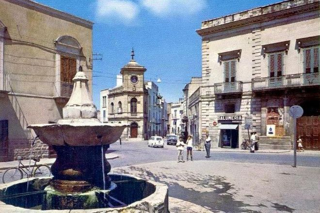 Piazza Porta La Barra di Andria, Andria, Italy
