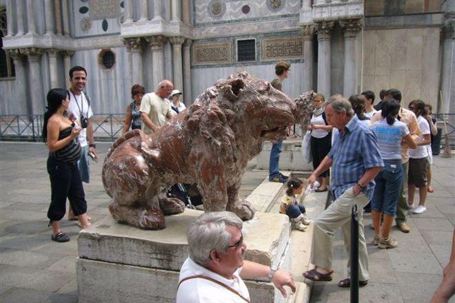 Piazzetta dei Leoncini, Venice, Italy