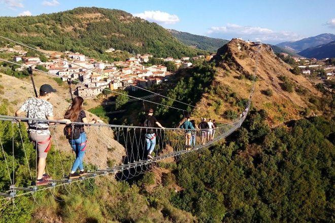 Ponte alla Luna, Sasso di Castalda, Italy