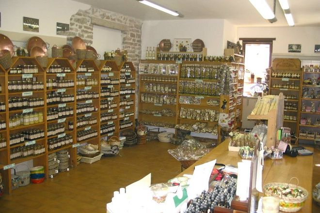 Premiata Apicoltura Guoli, Asiago, Italy