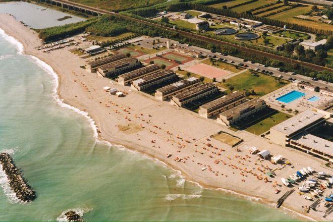 Spiaggia dei Gabbiani, Fano, Italy