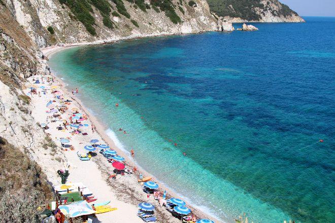 Spiaggia Di Sansone, Portoferraio, Italy