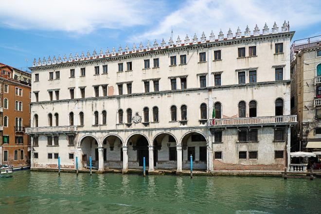T Fondaco Dei Tedeschi, Venice, Italy