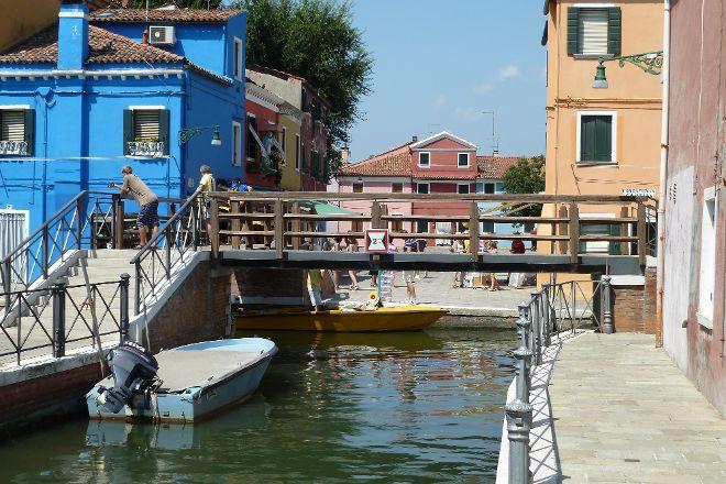 Tre Ponti, Burano, Italy