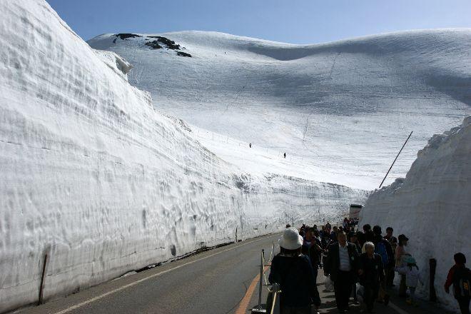 Yuki no Otani (Snow Wall), Tateyama-machi, Japan