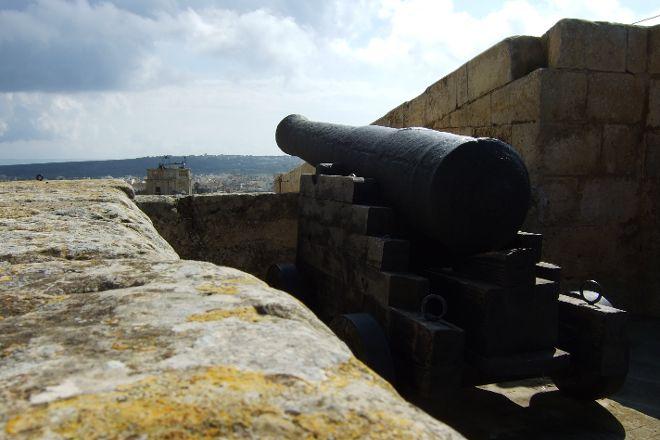 Gunpowder Magazine, Silos, WWII shelters & Battery, Victoria, Malta