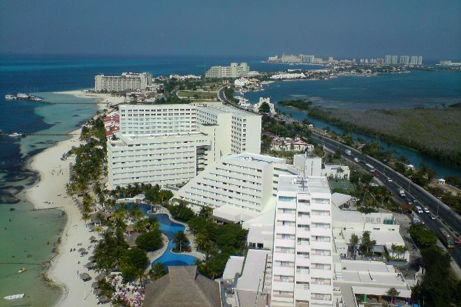 Av Kukulkan, Cancun, Mexico