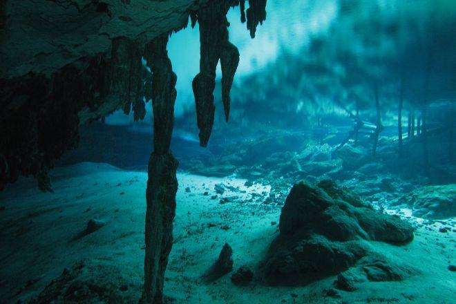 Dive Cenotes Mexico, Akumal, Mexico