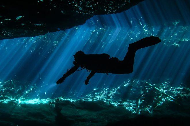 Heaven Under Earth Divers, Playa del Carmen, Mexico