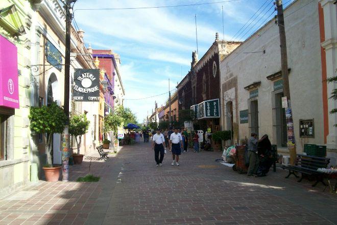 Independencia Avenue, Tlaquepaque, Mexico