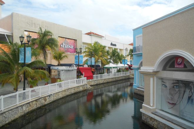 La Isla Shopping Village, Cancun, Mexico