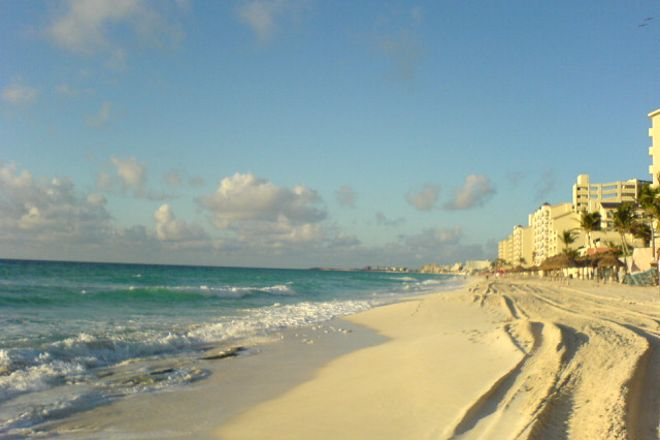 Playa Langosta, Cancun, Mexico