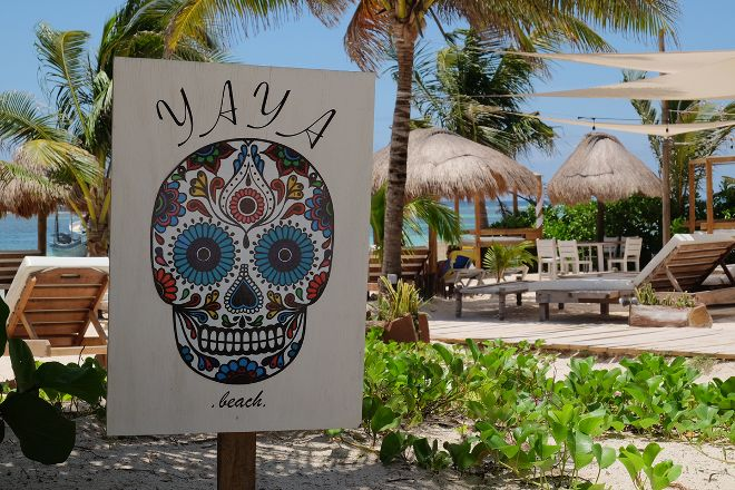 Yaya Beach, Mahahual, Mexico