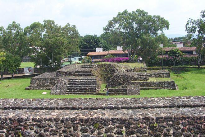 Piramides de Teopanzolco, Cuernavaca, Mexico