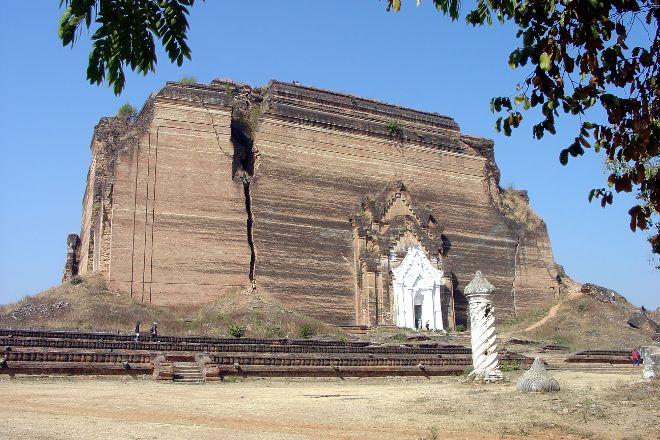 Pahtodawgyi Pagoda, Mingun, Myanmar