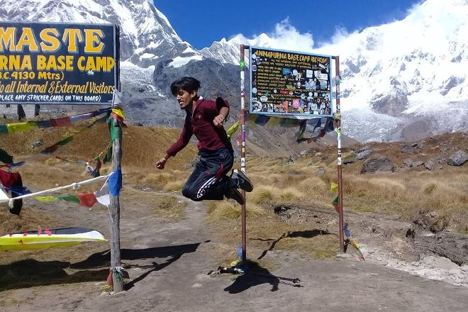 Trekking Guide Team Adventure, Kathmandu, Nepal