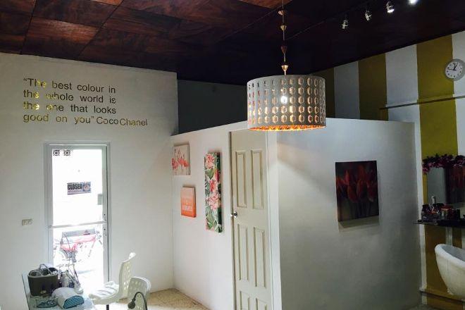Polish Nail Salon & Boutique, Granada, Nicaragua