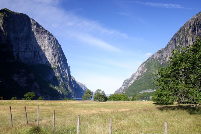 Hike from Grauthedlar to Lysebotn, Forsand Municipality, Norway