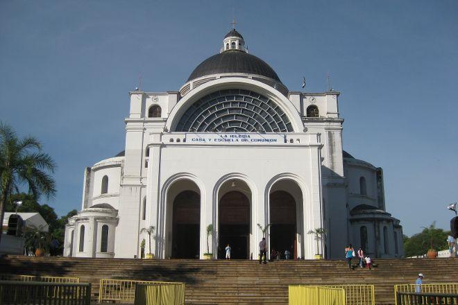 Catedral Virgen de Caacupe, Caacupe, Paraguay