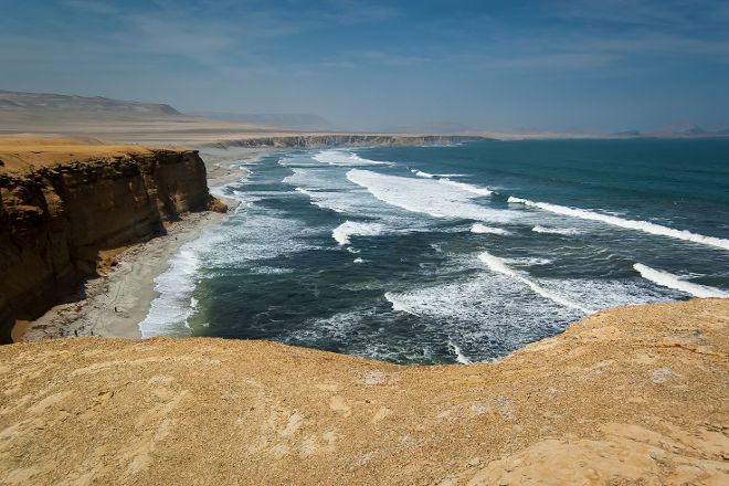 Emotion Tour Peru, Paracas, Peru