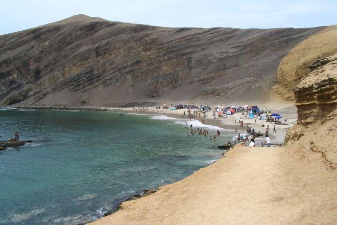 Playa de la Mina, Paracas, Peru