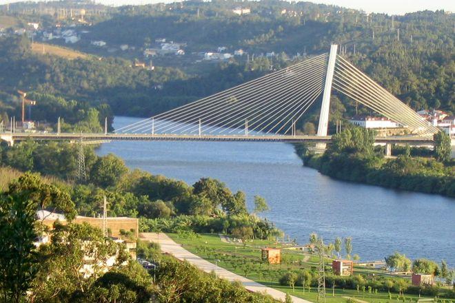 Ponte Rainha Santa Isabel, Coimbra, Portugal