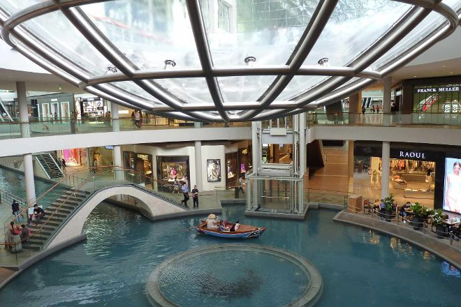 Sampan Rides at Marina Bay Sands, Singapore, Singapore
